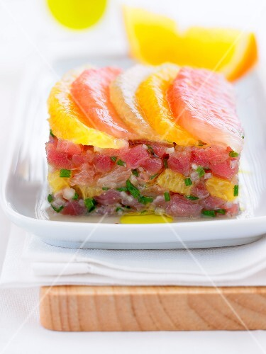 Fresh tuna and citrus fruit Tartare