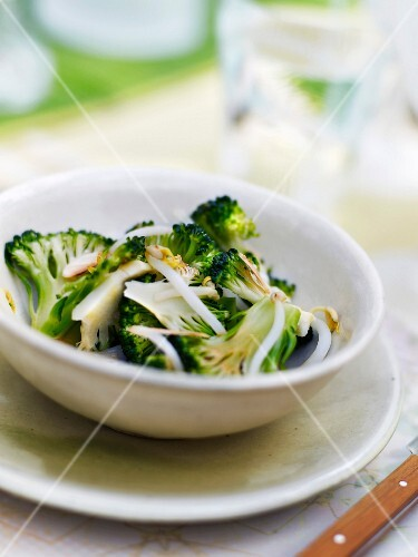 Beansprout, broccoli and thinly sliced almond salad
