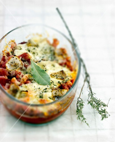 Eggplant and diced bacon cheese-topped dish