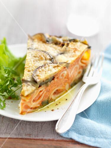 Rigatoni and tomato savoury cake