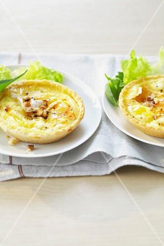 Camembert tartlets