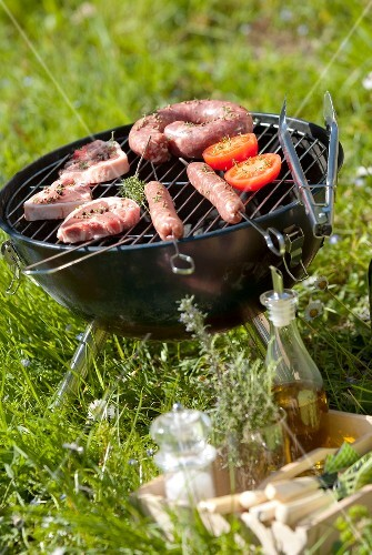 Cooking meat on the barbecue