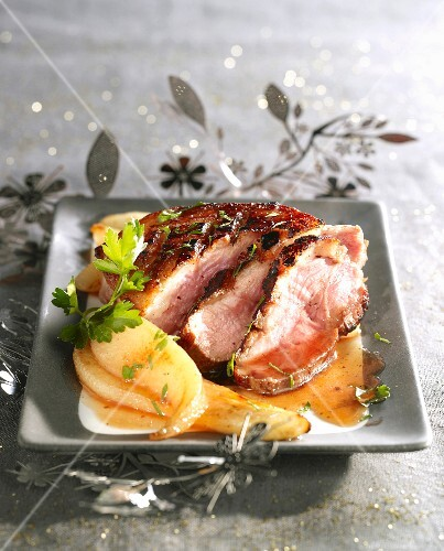 Duck's breast with honey and pears