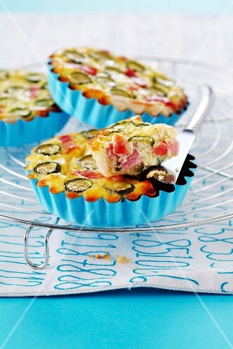 Ham and zucchini quiche
