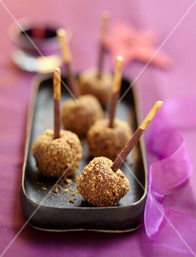 Chocolate and crushed hazelnut lollipops
