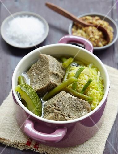 Pot-au-feu with green vegetables