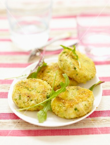 Aniseed-flavored fish cakes