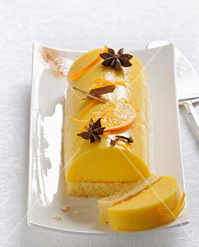 Spicy orange log cake