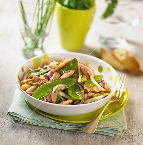 Tuna and sugar pea salad