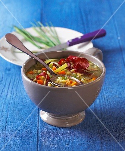Vegetable and grisons meat soup