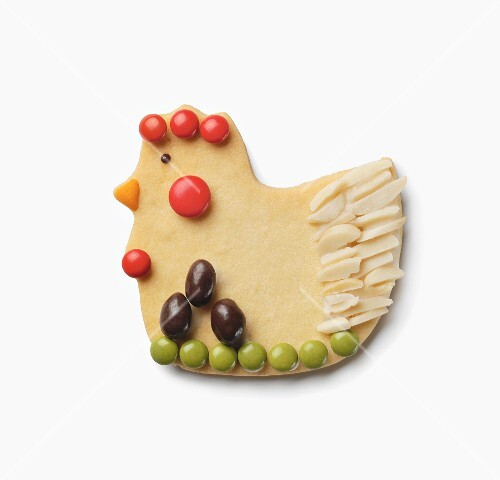 Hen-shaped Easter cookie