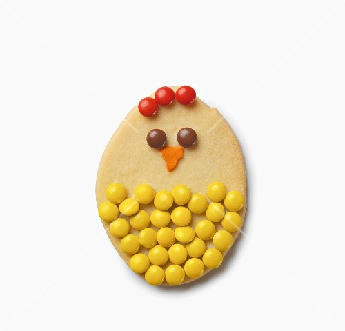 Chick-shaped Easter cookie