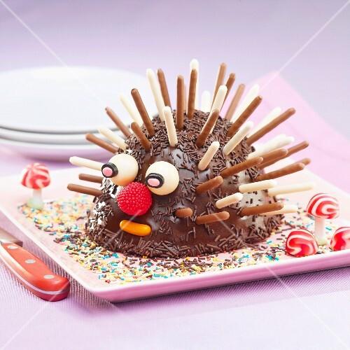 Hedgehog-shaped Mikado cake