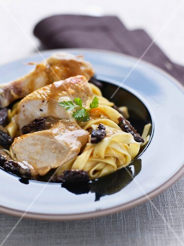 Yellow chicken from the south-west of France,tagliatelles with morels
