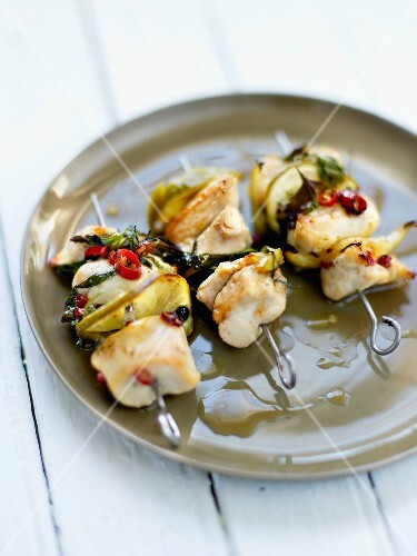 Chicken brochettes marinated with Tequila and tarragon