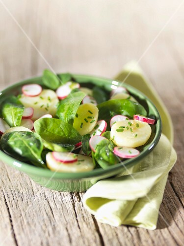 Potato spinach and radish salad