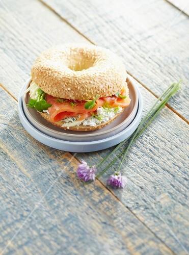 Smoked salmon and cream cheese bagel sandwich