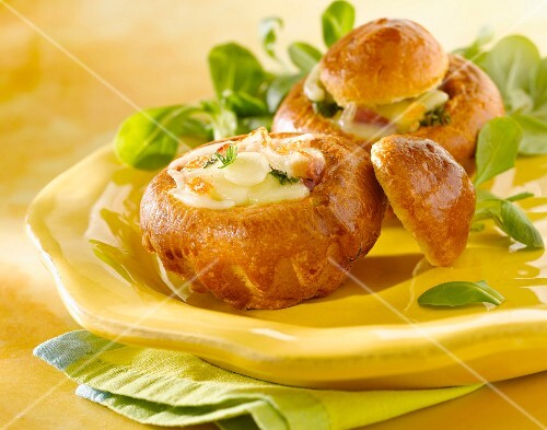 Brioche stuffed with cheese and raw ham