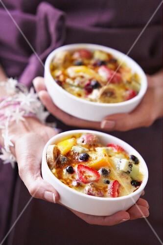 Grilled tutti frutti zabaglione