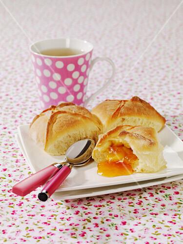 Slovene apricot jam Buhteljni