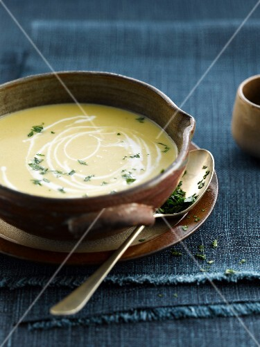 Cream of chicory and sweet potato soup