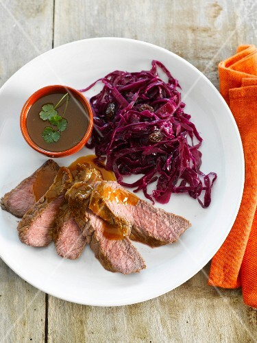 Beef with gravy and pan-fried red cabbage
