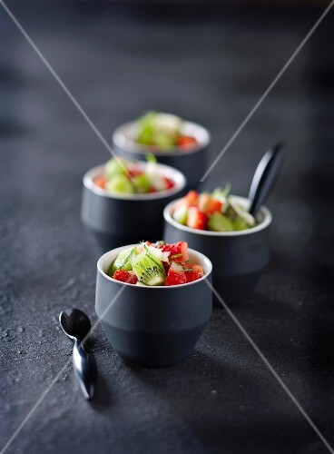 Kiwis and strawberries marinated in mint