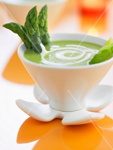 Cream of green asparagus soup