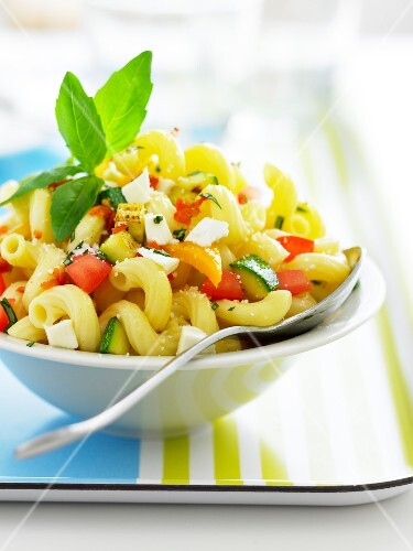 Pasta salad with Feta and vegatables
