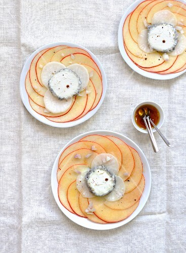 Apple and radish carpaccio with goat's cheese