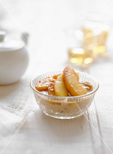 Chestnut mousse with roasted apples