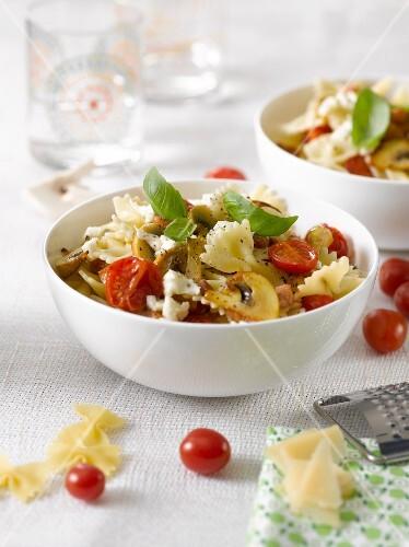 Farfalle with tomatoes,mushrooms,mozzarella and basil