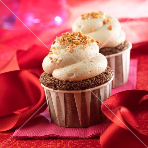 Coffee cupcakes sprinkled with crushed toffee
