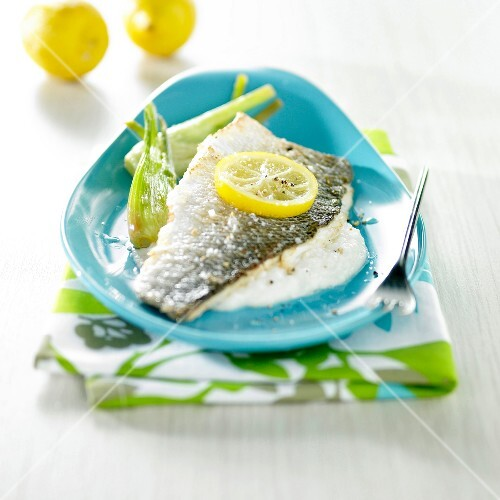 Sea bass fillet with lemon and fennel