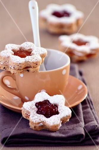 Linz biscuits