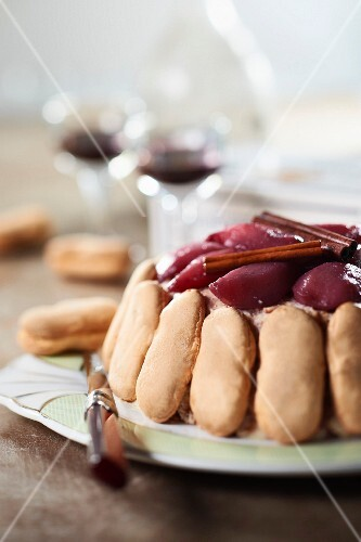 Montbozon biscuit and pears in red wine Charlotte