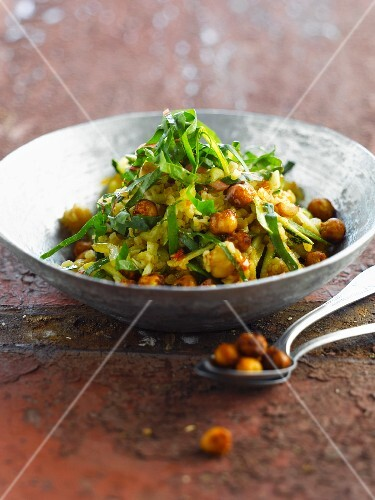 Bulghour with spicy chickpeas