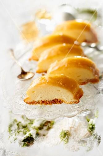 Cheesecake-style toffee log cake