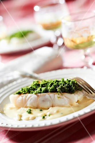 Pike fillet with herb mash in Savagnin and white butter sauce