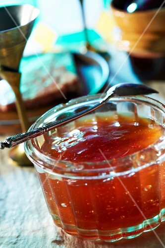 Saffron-flavored quince jelly