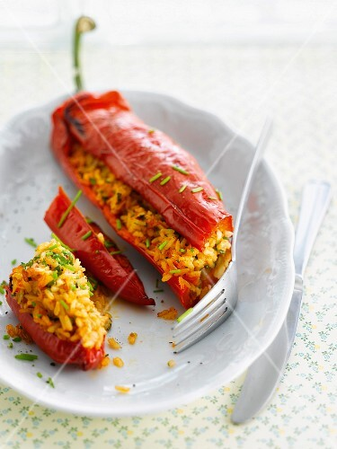 Peppers stuffed with saffron rice