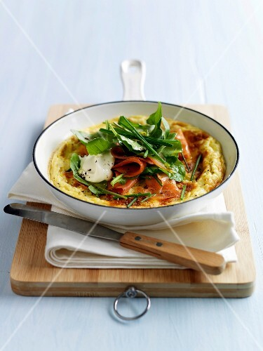 Smoked salmon and goat's cheese omelette