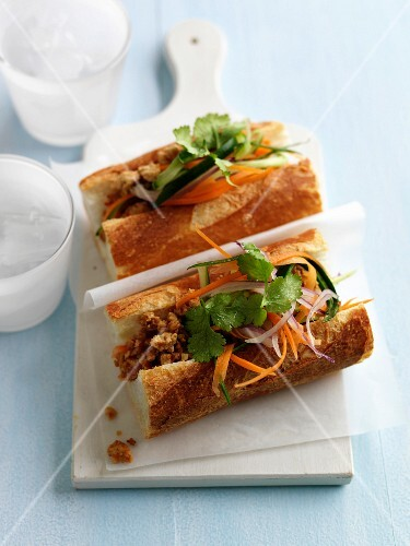 Thai-style ground lamb sandwich