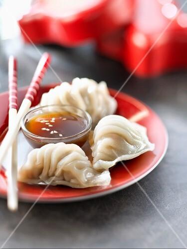 Chinese raviolis and nuoc-mâm sauce