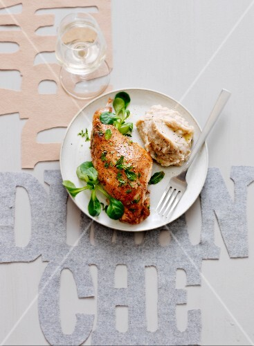Tandoori-style chicken thigh with white haricot bean mash