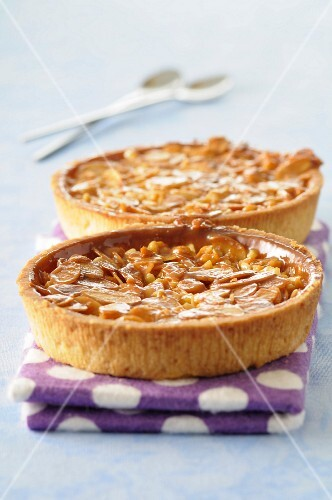 Toffee and thinly sliced almond tartlets