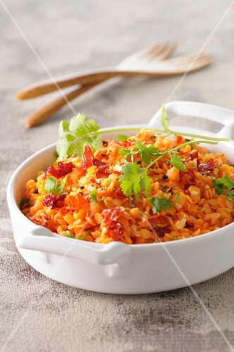 Orange lentils with red peppers