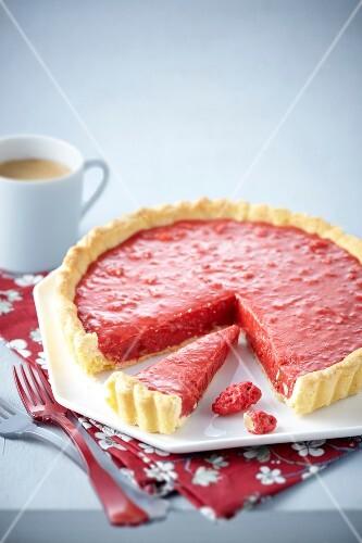 Pink praline tart