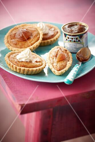 Chestnut cream tartlets