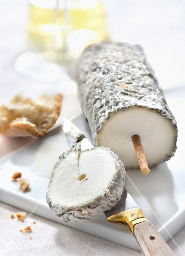 Sainte-Maure de Touraine cheese
